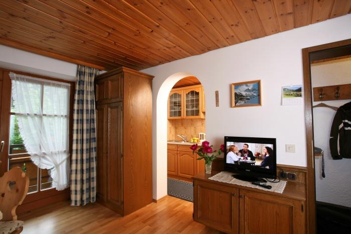 Ferienwohnung Alpenrose | Blick in Küche